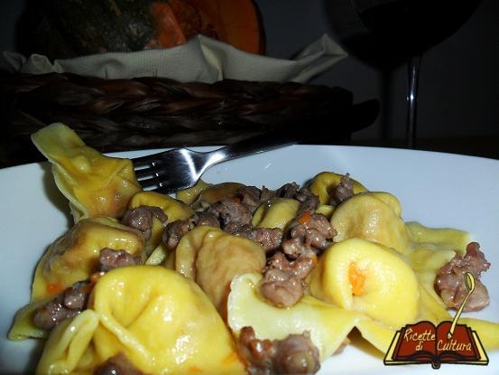 tortelli-mantovani-con-zucca-e-amaretti