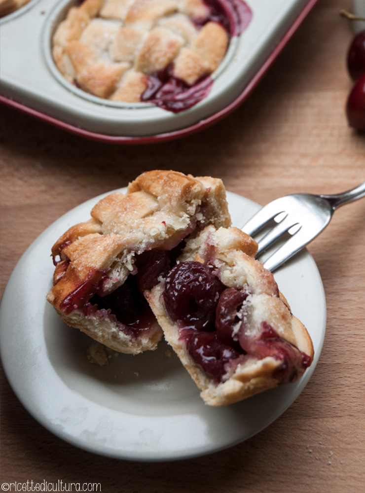 mini-cherry-pie