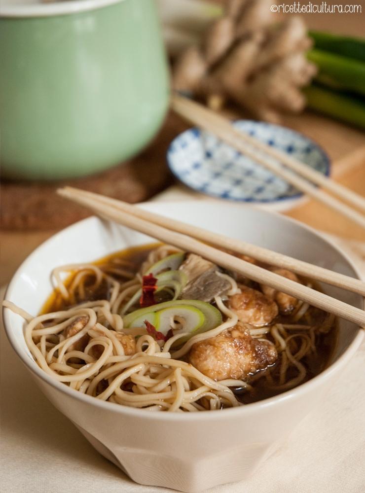 zuppa di miso con pollo