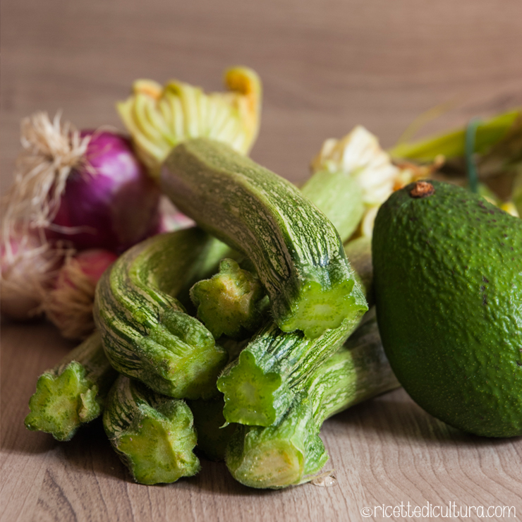zucchine-avocado-cipolla-rossa