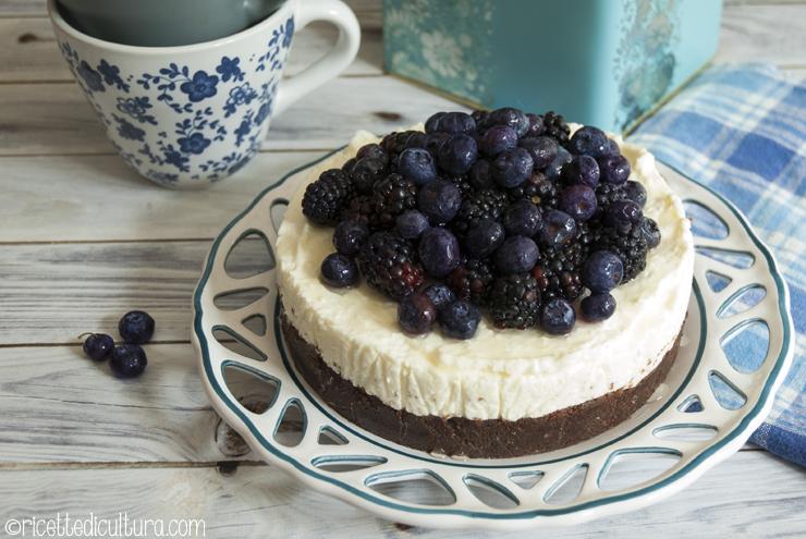 Cheesecake con mirtilli e more