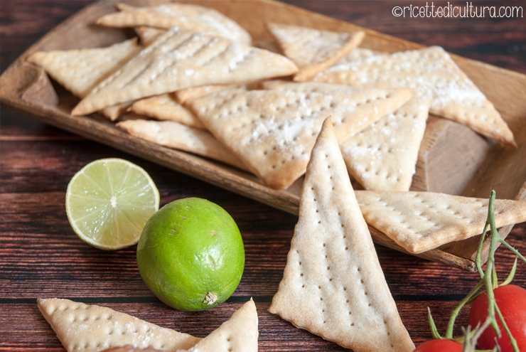 Crackers al lime Deliziosi crackers homemade al profumo di lime