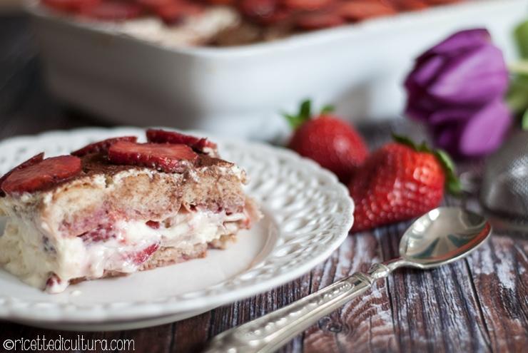 Tiramisù alle fragole Una versione primaverile e fresca del celebre dessert