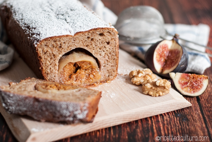 Plumcake con noci e cuore di fichi Una deliziosa torta senza burro, ricca di noci e con la sorpresa in ogni fetta