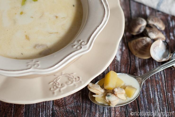 Clam chowder, la zuppa di vongole del New England Una delle più celebri zuppe di pesce americane e la sua affascinante storia