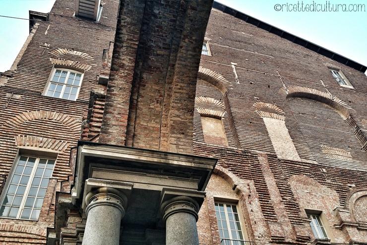Il Castello di Rivoli, in bilico tra passato e presente A mezz'ora da Torino, il cuore dell'arte contemporanea