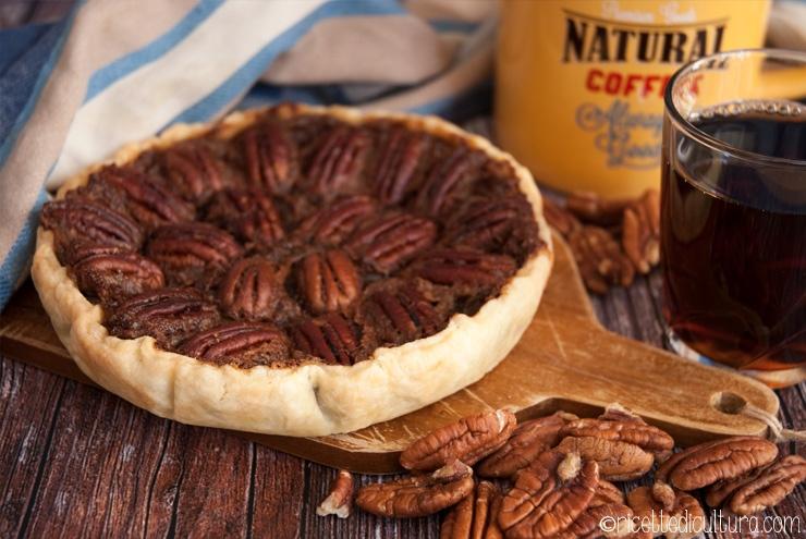 Pecan Pie del Ringraziamento La torta di noci pecan e sciroppo d'acero, semplice e tradizionale