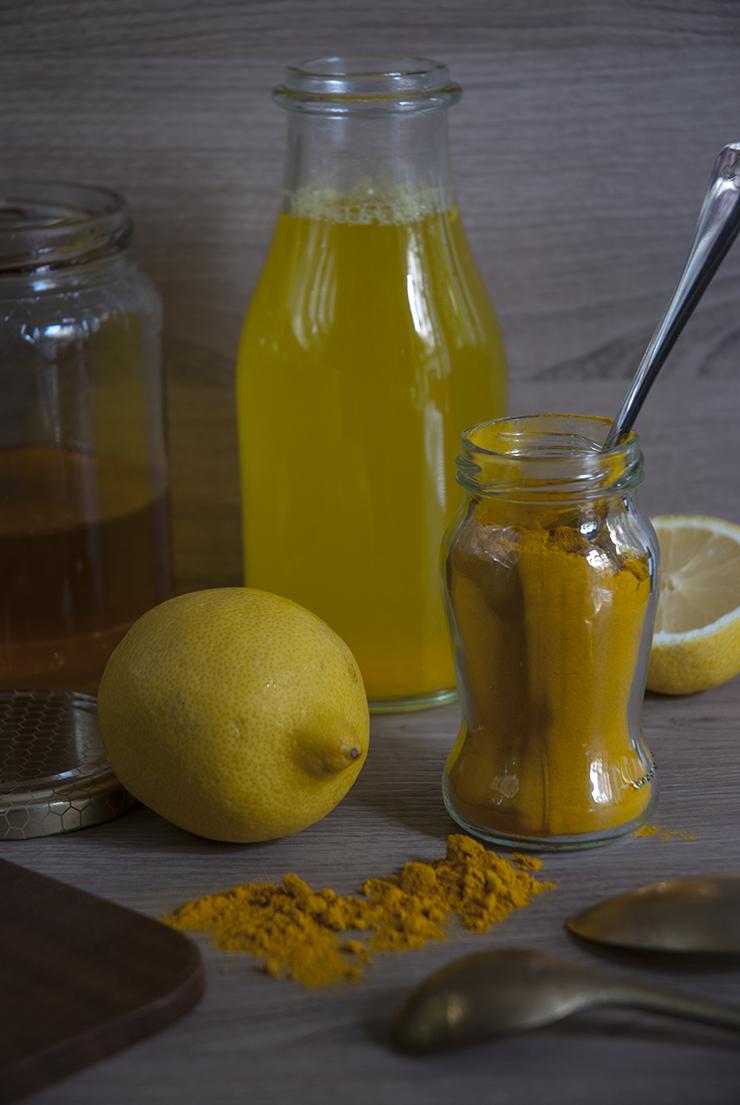 bevanda-detox-limone-curcuma-zenzero