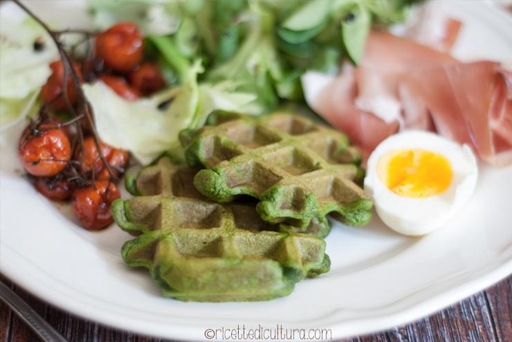 waffles con gli spinaci
