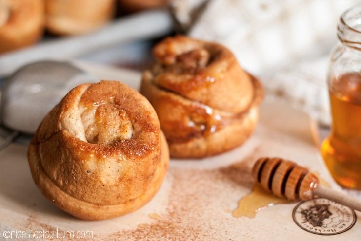 Honigreingerl dall'Austria per colazione Soffici dolcetti lievitati al miele e cannella