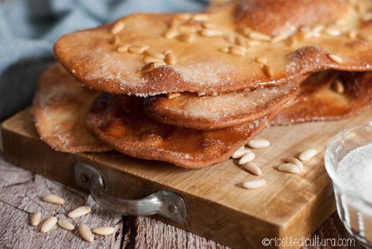 Coca de vidre – semplice golosità Il dolce da panetteria catalano dolce e scrocchiarello