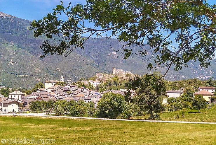 Passeggiata sulla via Francigena Un piccolo tratto a percorrenza facile tra paesaggi e borghi ricchi di storia.
