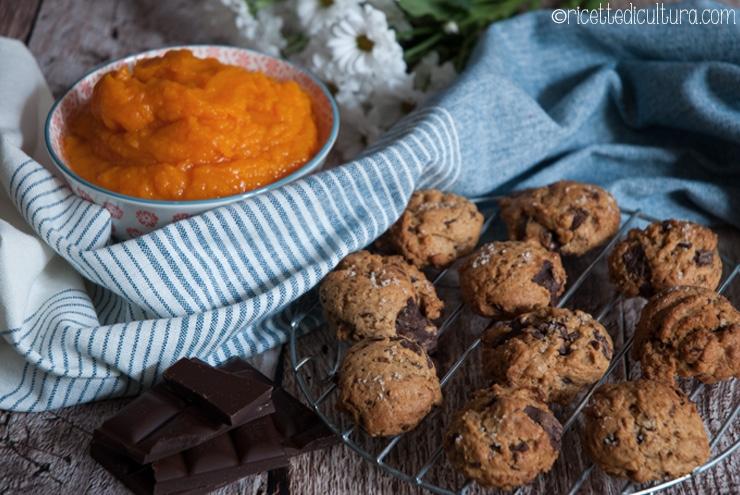 Biscotti morbidi alla zucca e cioccolato Profumati di cannella e deliziosamente consolatori