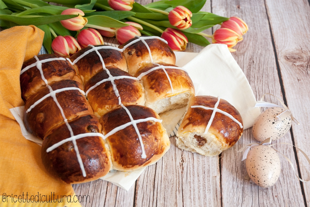 thang-zong-hot-cross-buns